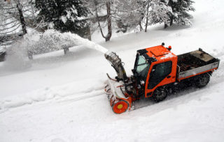 SNOW PLOWING COMPANIES: SERVICES AND RATES