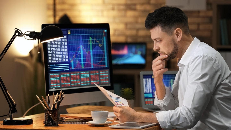 Hedge fund manager Plotkin's GameStop short, divided